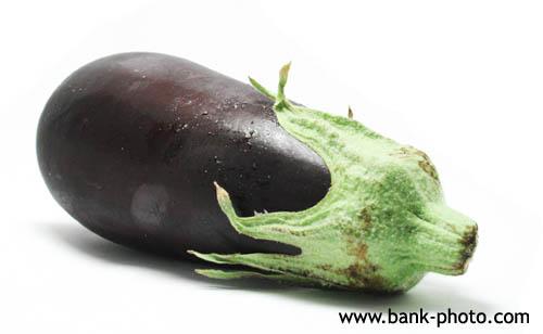 Le mois de mai est le début de la saison de l'aubergine.