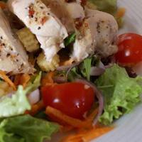 Salade diététique au blanc de poulet